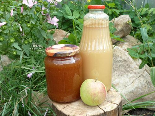 Домашний яблочный сок и повидло