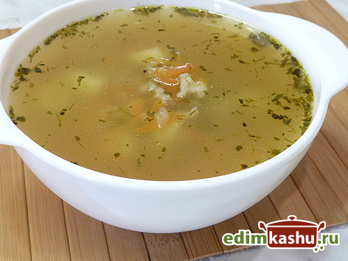 kurinyj-sup-s-kartofelem-i-risom