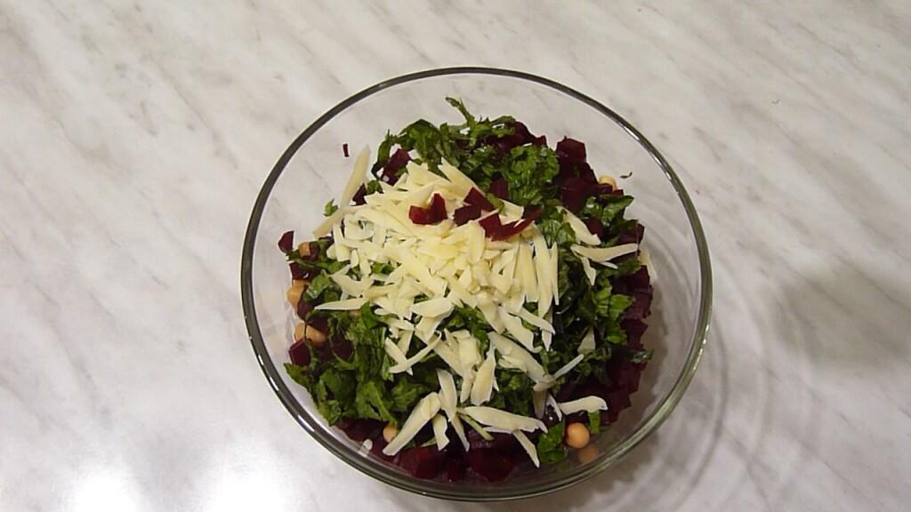 salat-s-nutom